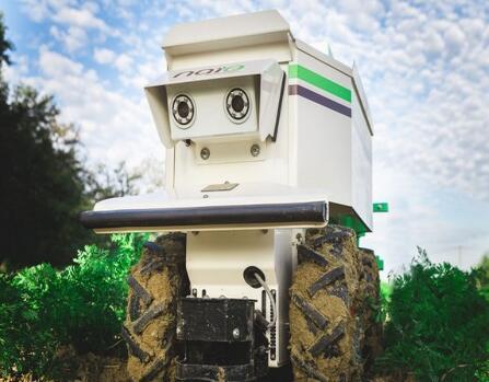 自主移动充电站:无需电网 让机器人实现远程充电
