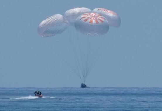NASA首次商业载人飞船发射在即 4名宇航员已就位