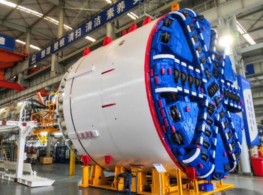 """""""前海先锋号""""盾构机助力国内首条多功能深层排水隧道"""
