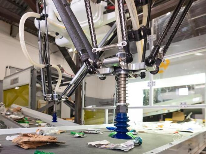 红杉资本最看好的机器人专家 研发出重达300磅的蜘蛛机器人