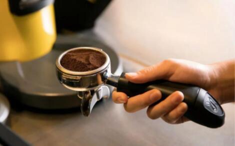 麦当劳在华推出小黄杯咖啡!拟投资25亿,覆盖门店超4000家