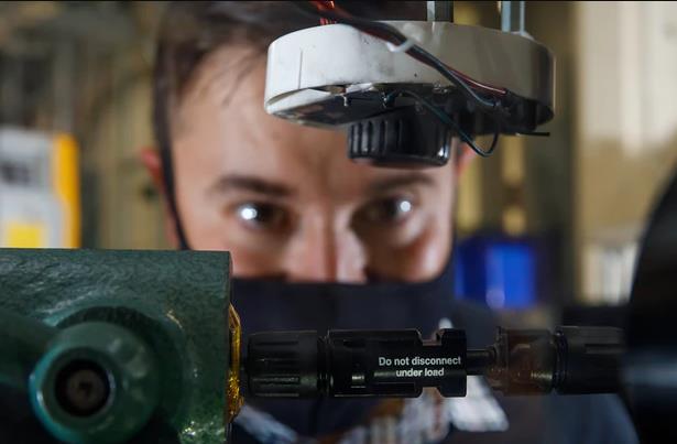 """桑迪亚国家实验室开发新""""保险丝"""",有助于防止太阳能电池板着火"""