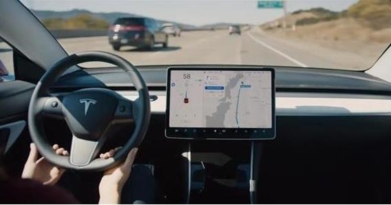 特斯拉全自动驾驶新版本数天内发布 改进将会非常巨大