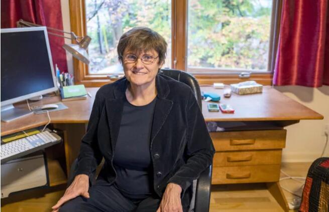 """mRNA新冠疫苗技术背后的她:40年死磕换来""""一战成名"""""""