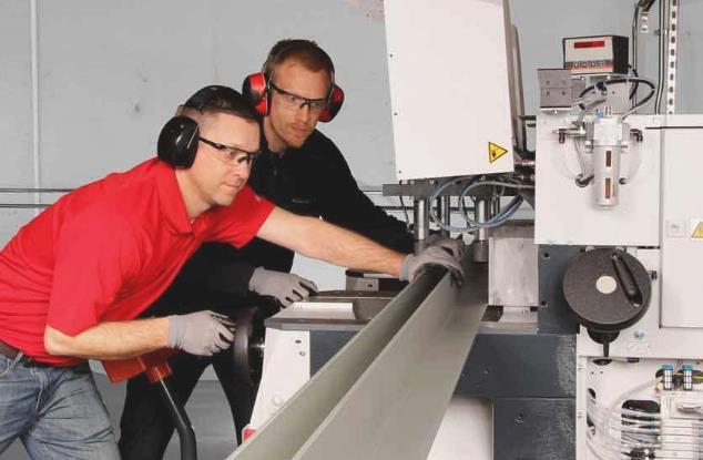 使用锯切操作该注意什么?机器维护、培训和最佳实践可确保锯和操作员的安全