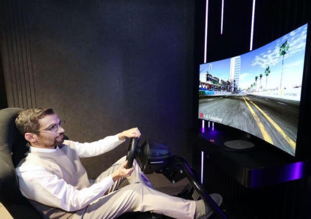 干掉揚聲器!LG計劃推出全球首款48英寸可彎曲電影聲音OLED顯示屏