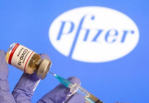 """新冠疫苗:辉瑞疫苗的""""法律豁免""""令多国担忧 欧洲建议莫德纳疫苗上市"""