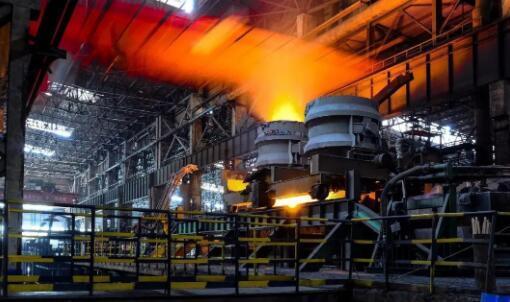 我国粗钢产量突破10亿吨大关 但需要警惕产能过剩