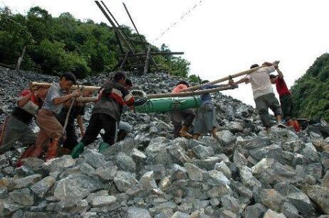 山东一金矿发生爆炸事故 22人被困井下
