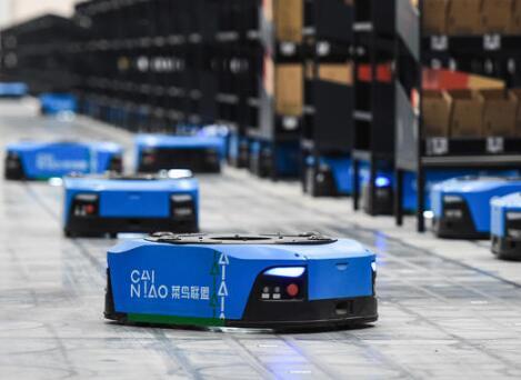 """机器人""""用工潮"""",引发""""机器换人""""背后的高燃赛道"""