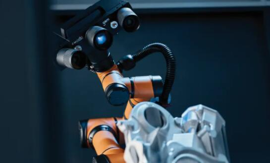 GOM推出移动测量站:结合机器人与3D扫描仪 可进行自动3D测量