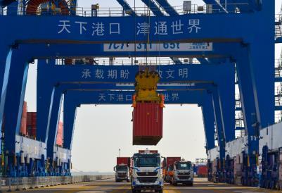 全球首创!传统集装箱码头全流程自动化升级改造项目全面运营