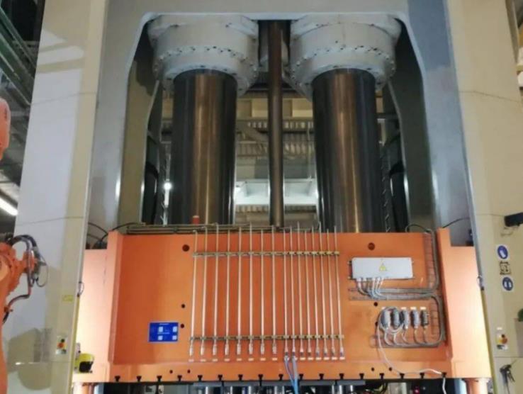 大陆结构塑料开发高性能碳纤维RTM工艺 降低碳纤维成本