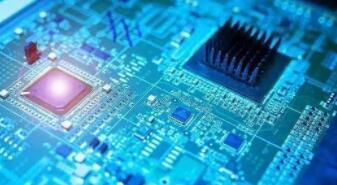 """全球半导体业逆势上扬7%,用钱""""砸""""出芯片业未来"""