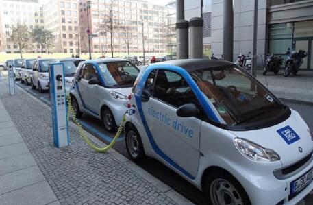 人工智能可以帮助充电站企业完善充电桩网络
