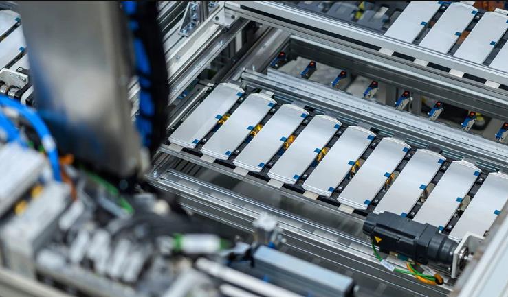 电动汽车中的电池管理IC成芯片制造商的战场,过度充电或不足会损坏电池