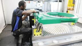 CNC机器探测促进夹具零件的制造