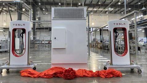 特斯拉超级充电桩工厂正式建成投产 超千亿市场快速释放