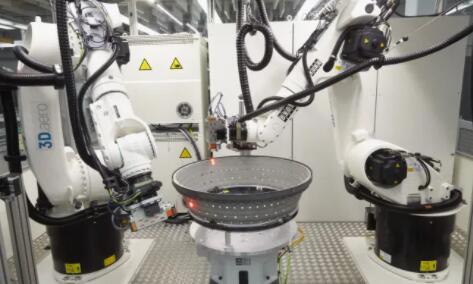 人工智能自动检测航空工件中的裂缝或凹痕