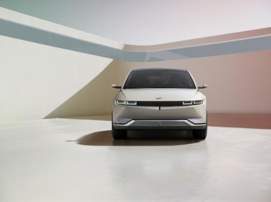 现代汽车首款纯电动跨界车IONIQ 5全球首发!充电5分钟可增100km续航