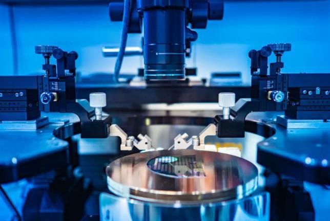 中國科學家研發出新型可編程光量子計算芯片,實現多種圖論問題的量子算法求解