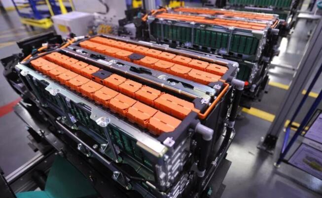 国际研究小组制成多孔纳米负极材料 容量是石墨阳极电池的三倍