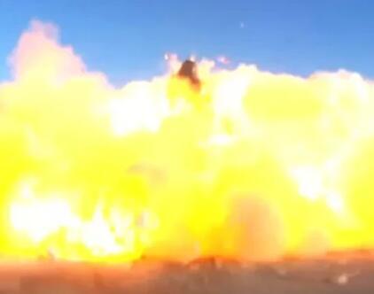 刚刚!SpaceX星舰软着陆后又又又爆炸了!马斯克只高兴了几分钟