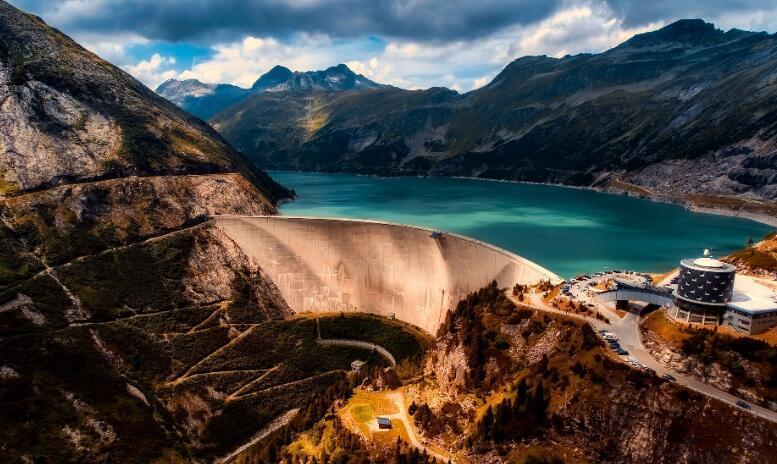 反照率会对水电站造成负面的气候效应