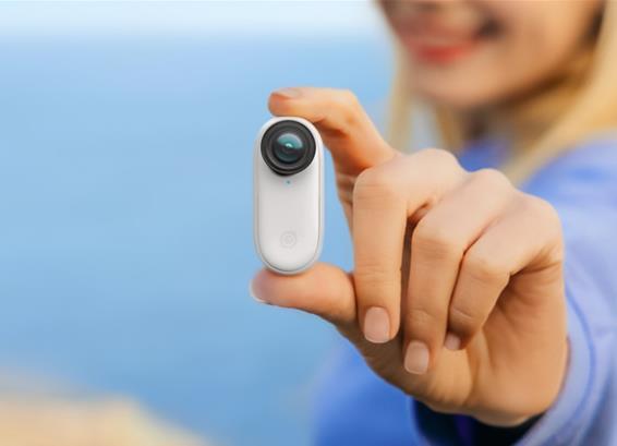 Insta360影石发布拇指防抖相机GO 2,搭配充电盒续航时间可达150分钟