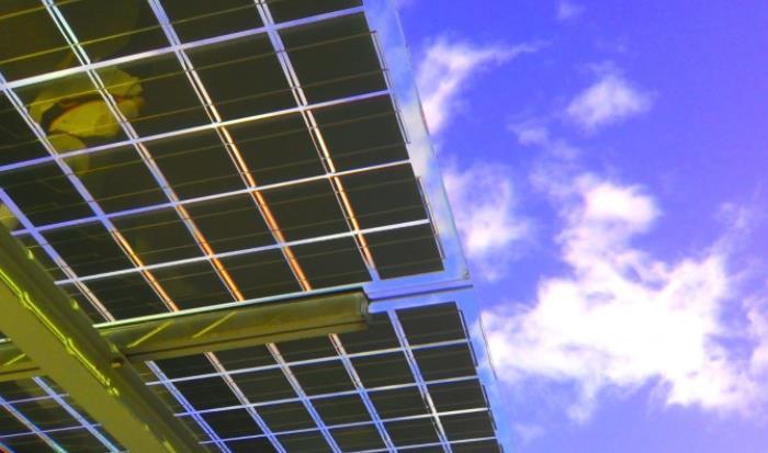 科学家利用激光找到了钙钛矿太阳能电池的缺陷