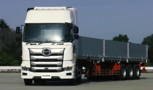 日野卡车将于年底推出配装康明斯发动机的卡车车型