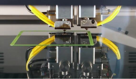 3D打印可实现一次性批量生产牙夹板、助听器,甚至是植入物