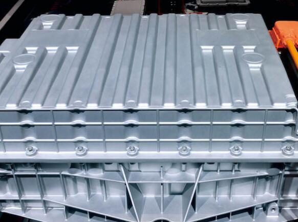 设计新能源汽车动力电池时 需要考虑哪些会引发安全问题的因素?