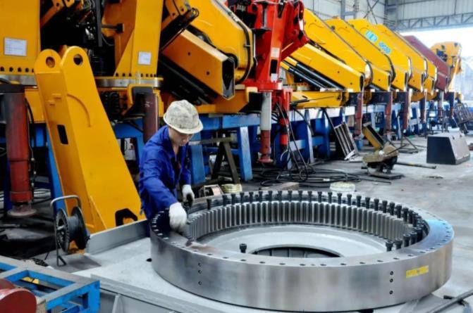 一文了解中国制造业发展现状,实现制造强国目标至少还需30年
