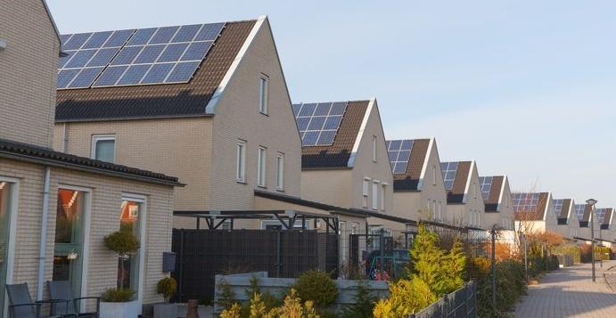 美国2020年太阳能装机容量达到创纪录的19.2 GW,预计到2030年将翻两番