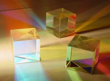 微光学元件如何实现所需的精密公差