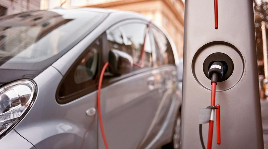 英国政府宣布投入3000万英镑电池、氢气和电动汽车供应链投资