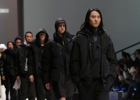 把宇航服穿在身上是什么感觉,3M新雪丽保暖科技融入时尚