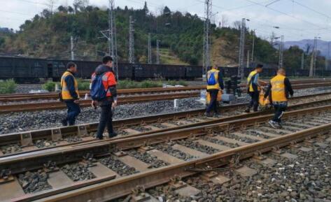 铁路医生:在钢轨中探测毫米级的安全隐患