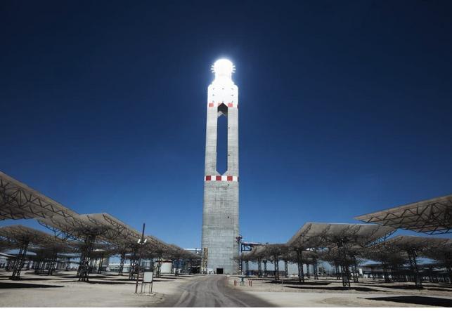 拉美国家首家聚光太阳能发电厂现已上线运营
