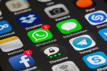 2021年Q1全球智能手机出货量为3.4亿部,苹果iPhone全球出货量为5700万部
