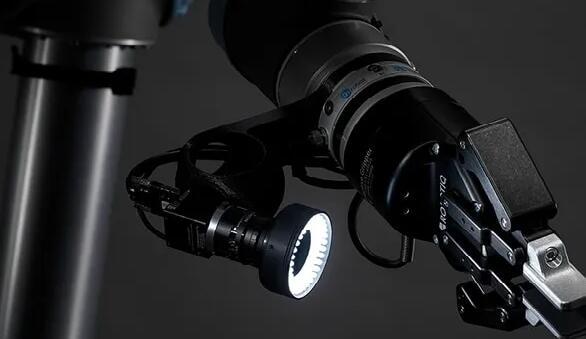 基于视觉的机器人控制系统让齿轮制造的大批量铣削实现自动化