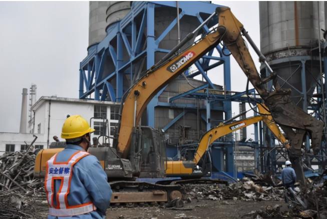 扬子石化拆除30万吨/年PTA装置 助力工厂持续攻坚创效