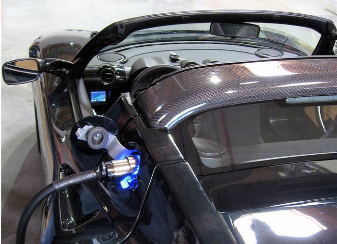 采用更多电动汽车将有助于更多地部署低成本太阳能和电池储能