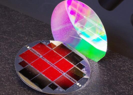 35.9%!弗劳恩霍夫研发基于硅的III-V族三结太阳能电池转换效率刷新纪录
