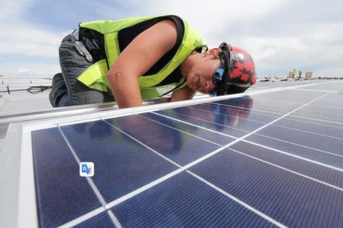 在屋顶安装太阳能电池板需要注意什么?