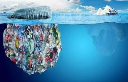 研究人员发现微小的塑料穿过环境的基本机制 有助于开发过滤系统
