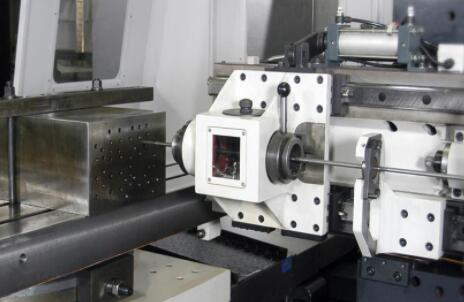 冷却系统对深孔钻削非常重要 冷却剂系统设计为机器的扩展件是如今最高效地做法