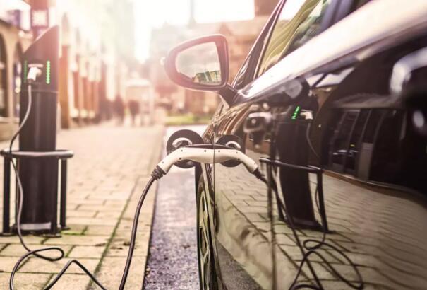 是买电动汽车还是燃油车?以下这些建议可能可以帮你快速决定