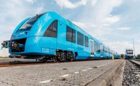 通过利用燃料电池余热控制车辆内部温度 可将燃料电池列车续航里程提高20%